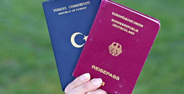Almanya'da çifte vatandaşlık yasası çıktı
