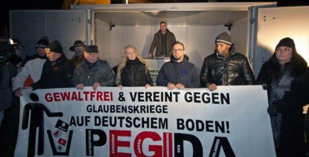 Almanya'da İslam karşıtı yürüyüş gerginliği