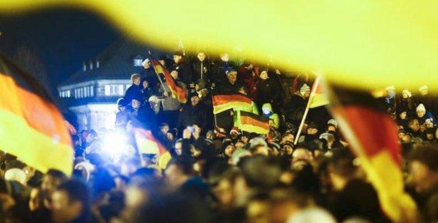 Almanya'da Pegida'ya katılım hızla artıyor
