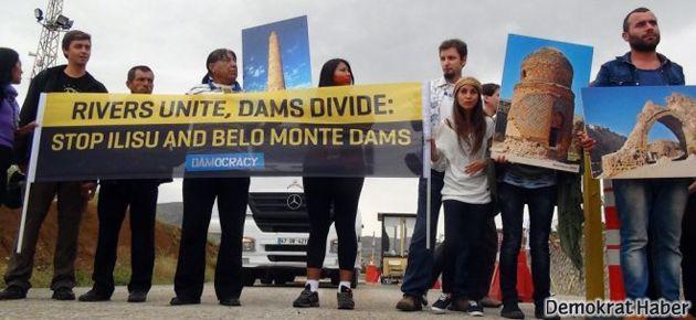 Amazon yerlileri Ilısu Barajı'na karşı eylem yaptı