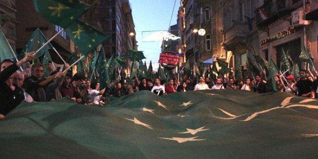 Anadili Günü'nde Çerkeslerden TRT'ye: Çerkesce kanal açın