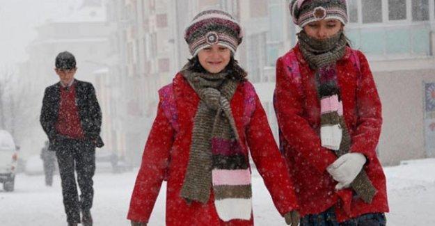 İstanbul da dahil 12 ilde kar tatili