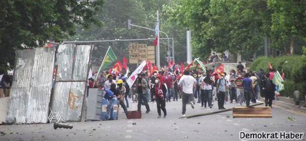 Ankara savaş alanı; polis eylemcileri ezdi