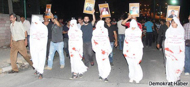 Antakya'da kefenli protesto