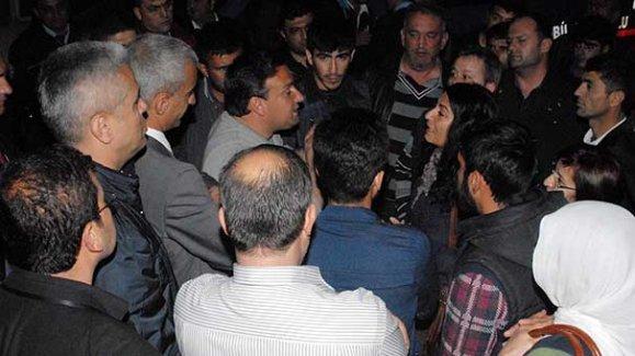 Antalya'da HDP ilçe binasına saldırı