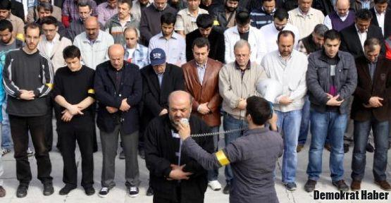 Anti-kapitalist Müslümanlar Roboski için namaza çağırıyor