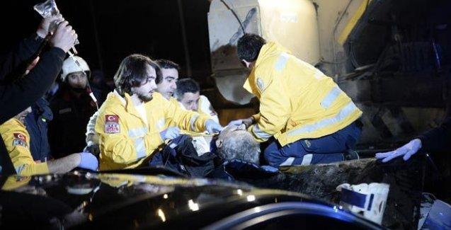 Otomobiliyle işçilere çarptı kaçtı: 2 ölü, 2 yaralı