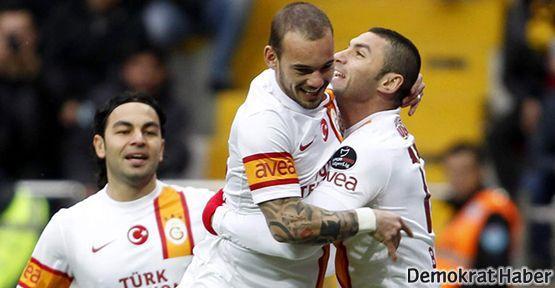Aslan Kayseri'de kükredi, Mourinho izledi