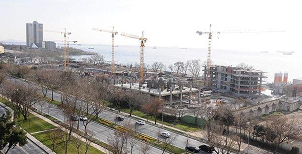 Ataköy sahilinde inşaatlara 1997'de yapılan planlara göre ruhsat verilmiş