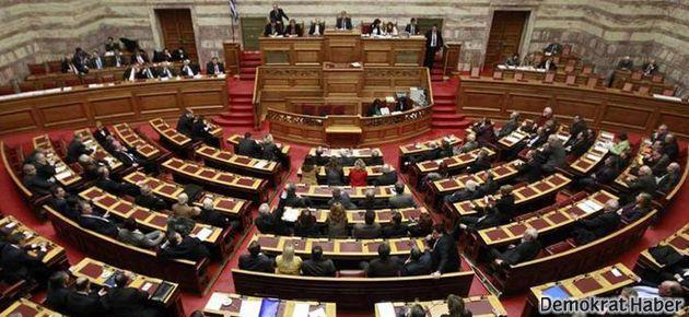 Atina binlerce kişiyi işsiz bırakacak yasayı onayladı