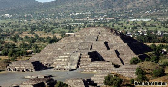 Aztek mezarı arkeologları şaşkına çevirdi