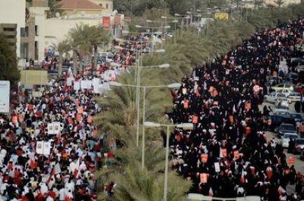 Bahreyn isyanın yıldönümünde sokakta