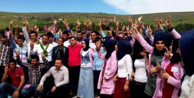 Bakan Eker'in akrabaları da HDP'ye geçti: 'AKP'ye vekaleten verdiğimiz oyları geri alıyoruz'