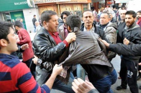 Balıkesir'de HDP'lilere saldırı