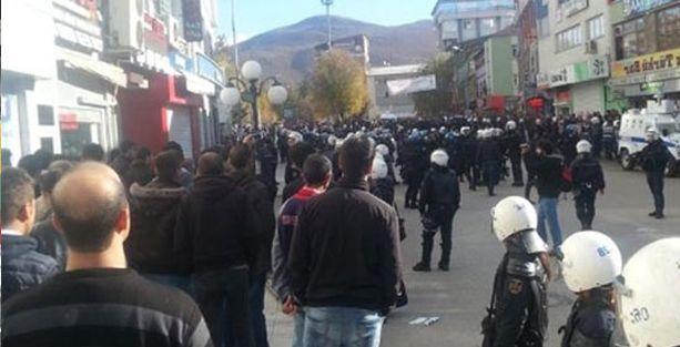 Başbakan Dersim'de protestolarla karşılandı