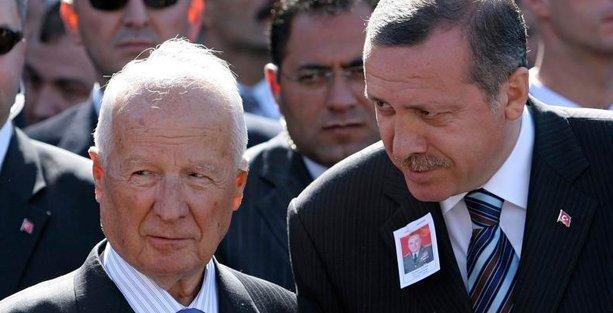 Baskın Oran, Kenan Evren ve Erdoğan'ın benzerliklerini yazdı