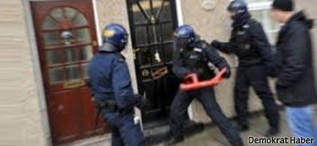 Baskın yapan polislerden ilginç not