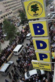 Batman BDP binası kurşunlandı