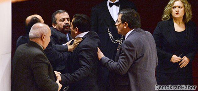 BDP'li vekil ile AKP'li eski Bakan kavga etti
