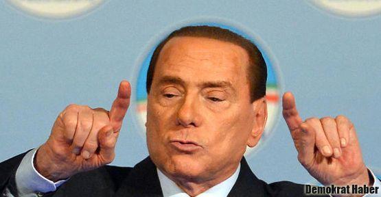 Berlusconi'den Mussolini'ye övgü