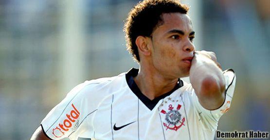 Beşiktaş Dentinho'u kiraladı