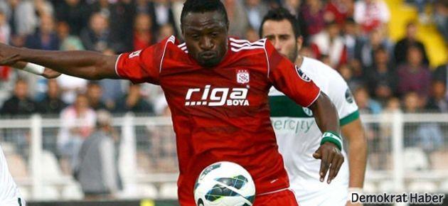 Beşiktaş Eneramo'yu, Trabzonspor Bosingwa'yı borsaya bildirdi