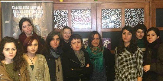 Beyoğlu'nda zabıta Filmmor Kadın Filmleri Festivali'ni bastı