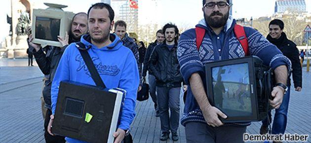 Beyoğlu'nda ilginç internet protestosu