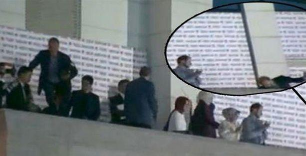 Bilal Erdoğan balkonda az daha düşüyordu