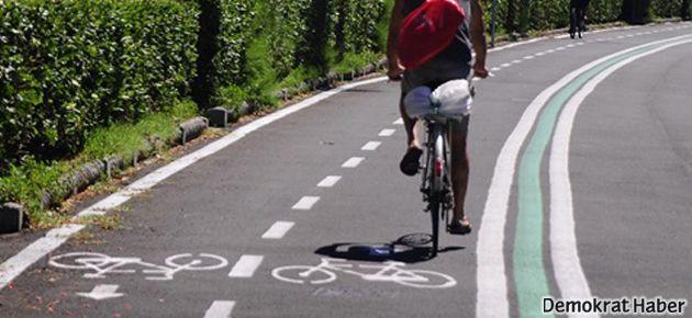 Bisikletçilerden eylem