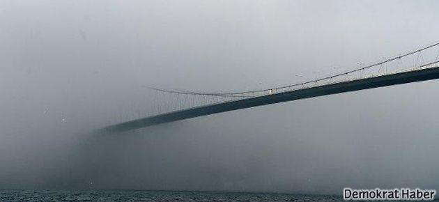 Boğaz Köprüsü 'sis' altında