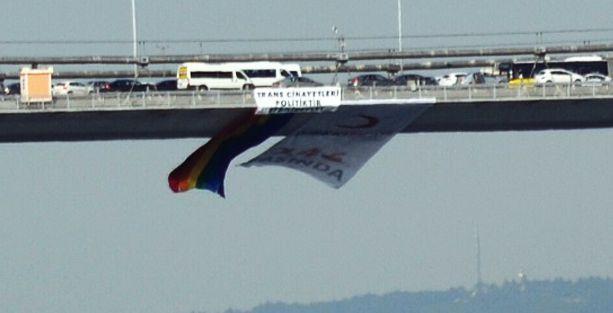 Boğaziçi Köprüsü'ne gökkuşağı bayrağı asıldı