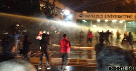 Boğaziçi Üniversitesi öğrencilerine gaz bombalı müdahale