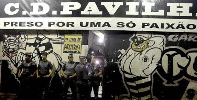 Brezilya'da 9 taraftarı başına kurşun sıkarak öldürdüler!