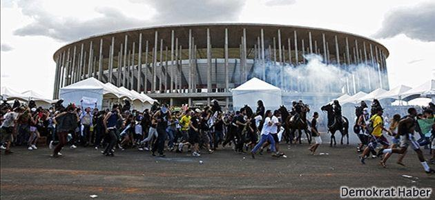Brezilya'da futbol harcamalarına protesto