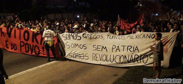 Brezilyalı direnişçilerden Türkiye'dekilere destek pankartı