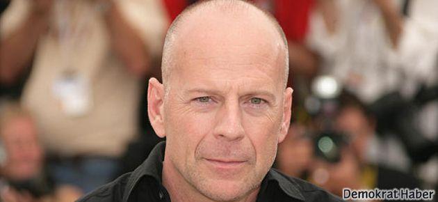 Bruce Willis: Türkiye'de insanlar sokaklarda ölüyor!