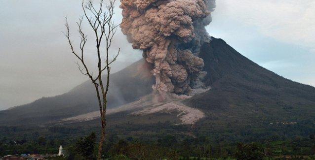 'Bu yüzyılın sonuna kadar bir yanardağ patlaması insanlığın sonunu getirebilir'