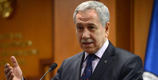 Arınç: Öcalan'ın bacak bacak üstüne atan sekreterlere ihtiyacı yok