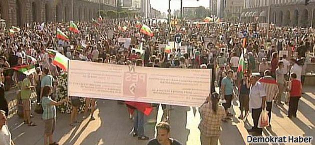 Bulgaristan'da protestolar dinmiyor