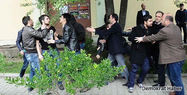 Bursa'da kitap okuyan öğrencilere sadırı