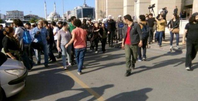 Çağlayan'da polis, avukatların ardından ailelere de saldırdı