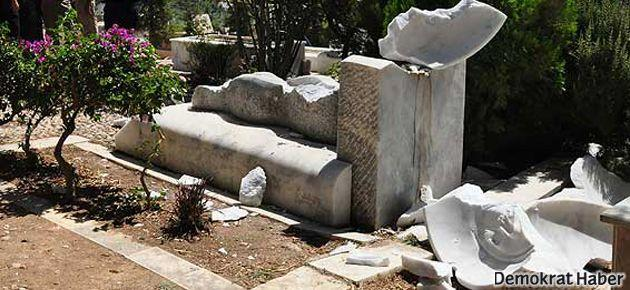 Can Yücel'in mezarına saldıranlara beraat