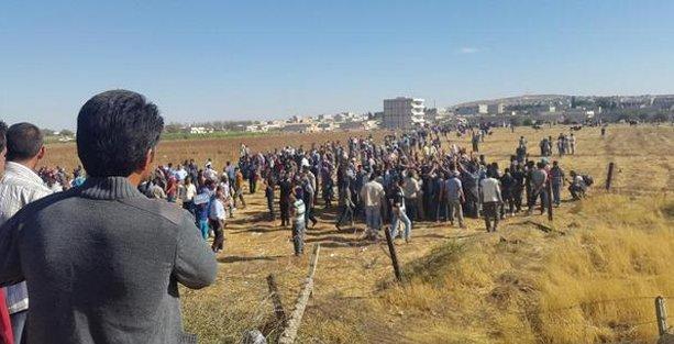 Çatışmalar artınca sınırdan Kobani'ye geçtiler