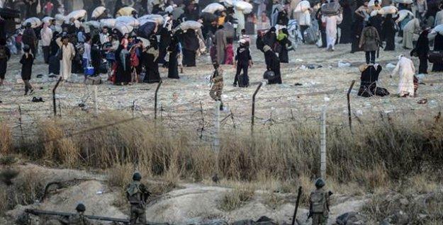 İHD: IŞİD üyesi en az 50 kişilik grup Türkiye sınırına geçti