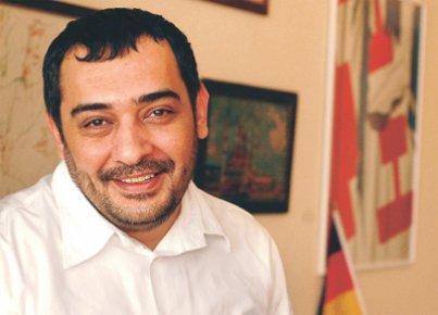 Ahmet Tulgar' a 'Kürtçe' şoku