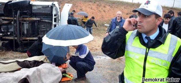 Çevik Kuvvet ekibi kaza yaptı