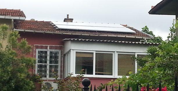 Çevre Günü'nü güneş panelleri yerleştirerek kutladılar