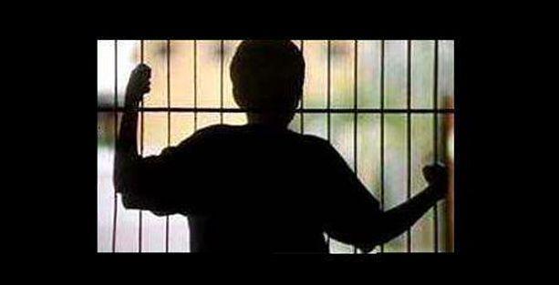 Cezaevlerinde bin 914 çocuk var!