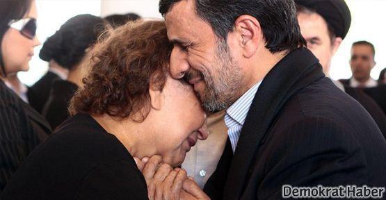 Chavez hassasiyeti Ahmedinejad'ı zora soktu